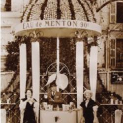 Le stand Eau de Menton à la Fête du Citron de Menton, au début des années 1950